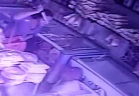 Polícia prende mulher acusada de participar de assalto a loja de laticínios; Câmeras flagram