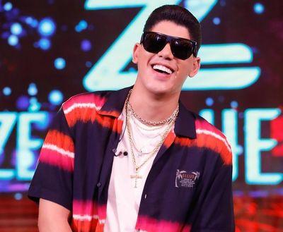 Zé Vaqueiro fala de detalhes da nova música em entrevista na TV Tambaú