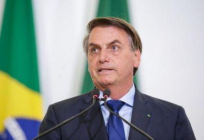 """Em entrevista, Bolsonaro disse ainda que só se elegeu presidente """"graças à internet"""""""
