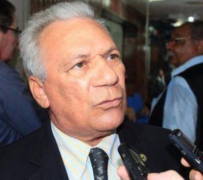 Prefeito de Cajazeiras pode deixar a UTI a qualquer momento, diz esposa