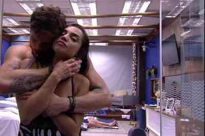 Em clima de romance, Breno e Paula não se desgrudam no BBB18