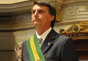 Bolsonaro assina MP que retira menção a LGBTs das políticas de Direitos Humanos