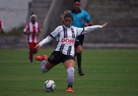 Jéssica chuta para o gol, em final do Campeonato Paraibano