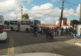 Colisão entre moto e ônibus deixa um ferido na Zona Sul de João Pessoa