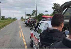 Dupla sofre acidente após suposta tentativa de assalto seguida de perseguição policial