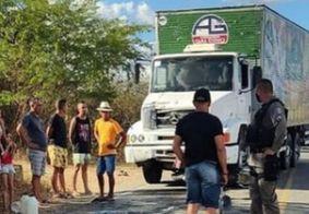 Colisão entre moto e caminhão deixa dois mortos na Paraíba