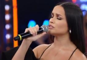 Juliette canta 'Deus me Proteja' no palco do Domingão do Faustão; veja