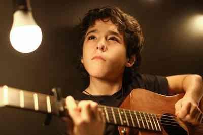 Aos 11 anos, filho de Bruno, da dupla com Marrone, sonha com carreira no funk