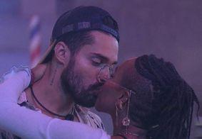 """""""Ela estava assediando meu filho"""", diz mãe de Arcrebiano sobre beijo em Karol Conká"""