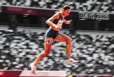 Brasileira quebra recorde dos 3.000m com obstáculos