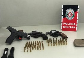 PM prende grupo com três armas e impede homicídio no interior da Paraíba