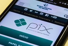 Pix terá limite de R$ 1 mil para transferências à noite