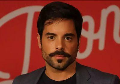 Conheça o marido bonitão de Pedro Carvalho, o 'Abel' de 'A Dona do Pedaço'