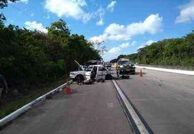 Mulher morre e mais quatro pessoas ficam feridas em acidente na BR-101