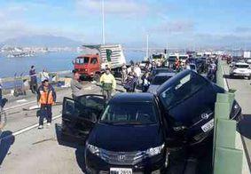Engavetamento deixa feridos e interdita ponte Rio-Niterói