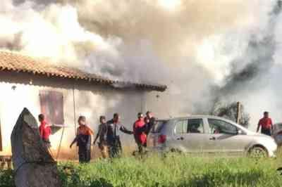 Incêndio atinge base de operações de bombeiros em Brumadinho