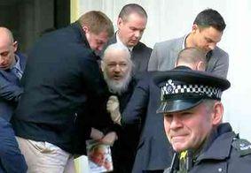 Fundador do WikiLeaks, Julian Assange é preso na embaixada do Equador em Londres