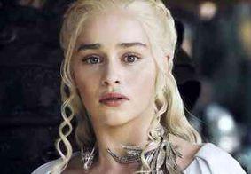 Emilia Clarke revela que atores homens de 'Game of Thrones' tinham regalias