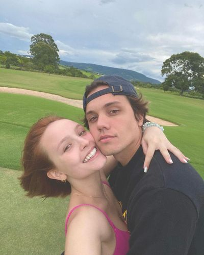 Larissa Manoela e Léo Cidade terminam o namoro