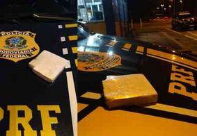 PRF-PB apreende meio quilo de cocaína com passageiro de ônibus que saiu de Natal