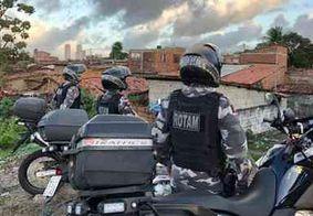 Após ter pneu danificado, Batalhão de Motos apreende arma e drogas em comunidade de JP