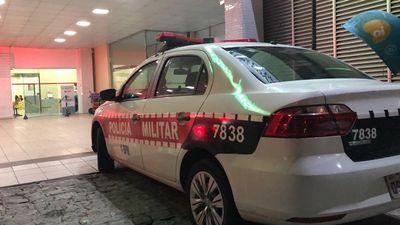 Homem é socorrido após ser atingido por golpes de faca durante briga em João Pessoa