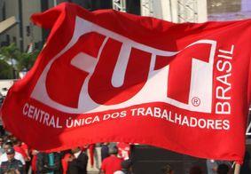Centrais sindicais realizam manifestação contra reforma da Previdência, na Paraíba