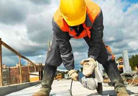 Cerca de 15 mil trabalhadores da construção civil retornam às atividades nesta quarta (1º)