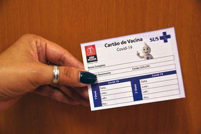 Cartão de vacinação contra Covid-19 em João Pessoa