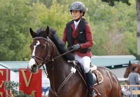 Atleta de hipismo morre após levar coice de cavalo