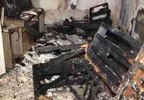Incêndio destrói parte de casa no bairro do Roger em João Pessoa