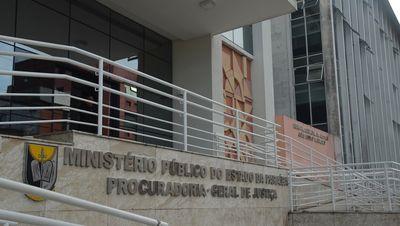 Prefeito de cidade paraibana atrasa salário e é alvo de ação do MPPB
