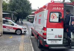 Homem é esfaqueado após reagir a assalto dentro de ônibus