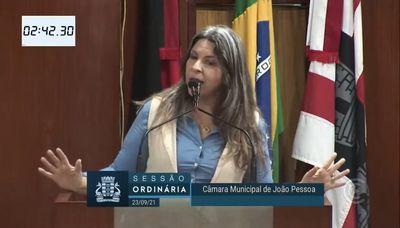 Vereadora durante discurso na manhã desta quinta-feira (23).