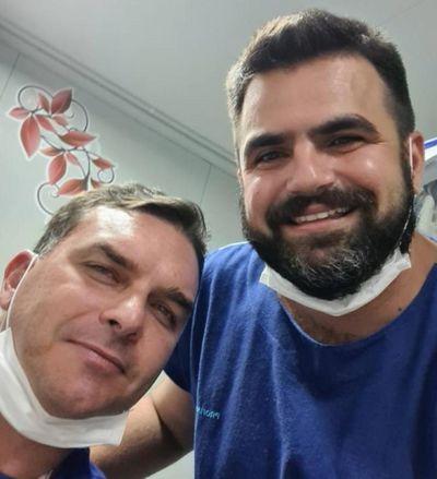Filho de Bolsonaro sofre acidente de quadriciclo