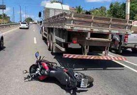 Colisão entre moto e caminhão deixa homem ferido na Grande João Pessoa