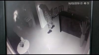 Câmeras flagram momento em que escritório de ex-governador da PB é invadido