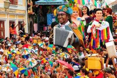 Ataques com agulhas são registrados durante Carnaval em Recife e Olinda