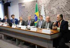Desmatamento ilegal está diminuindo mas ainda requer monitoramento, dizem debatedores