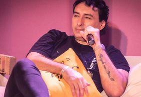 """Extubado, Vicente Nery deixa UTI e comemora: """"Nasci de novo"""""""