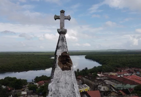 Torre de igreja interditada após chuvas será removida na terça-feira (02)