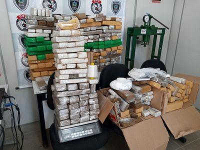 Na PB: Polícia apreende droga avaliada em R$ 1,5 milhão; cinco homens foram presos
