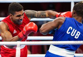 Brasileiro Abner Teixeira conquista medalha de bronze no boxe