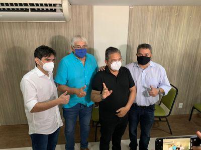 Adriano Galdino anuncia apoio a Efraim Filho