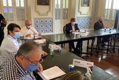 Reunião entre João Azevêdo e prefeito de João Pessoa, Cícero Lucena, define regras menos restritivas para novo decreto