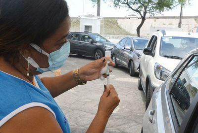 Vacinação da 2ª dose em idosos com 76 anos ou mais acontece neste domingo (18) em JP