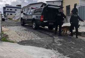 Dupla é presa suspeita de tráfico de drogas no bairro do Roger, em João Pessoa