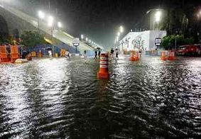 Fortes chuvas no Rio de Janeiro deixam Sambódromo alagado antes de desfiles