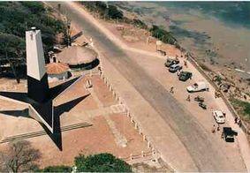 Trabalhadores protestam pela reabertura de praias e pontos turísticos de João Pessoa