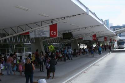 Cerca de 700 funcionários de empresas de ônibus têm contratos suspensos em CG
